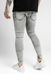 SIKSILK - SKINNY FIT ACID WASH WITH DISTRESSING - Jeans Skinny Fit - snow wash grey