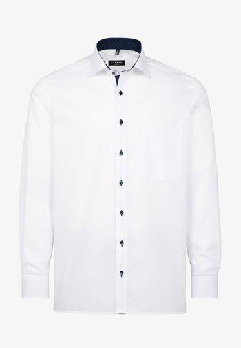 REGULAR FIT - Overhemd - weiß