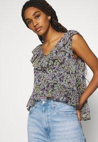 JDY - JDYLARISA CROPPED - Print T-shirt - black - 4