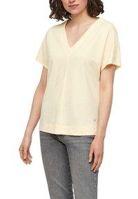 s.Oliver - Basic T-shirt - light yellow - 5
