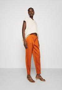 Cras - SALINACRAS PANTS - Kalhoty - rust - 1