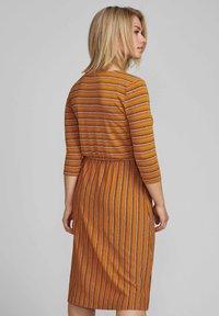 Nümph - NUBUNTY  - Jumper dress - buckthorn brown - 2