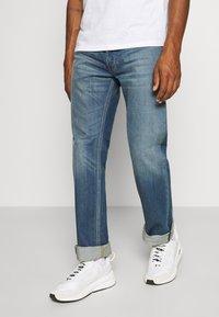 Diesel - LARKEE-X - Straight leg jeans - 009ei - 0