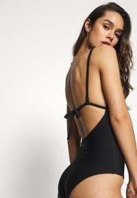 Seafolly - ESSENTIALS V NECK MAILLOT - Plavky - black - 4