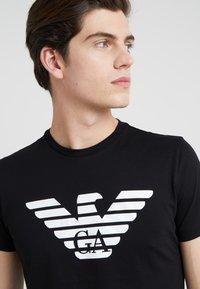 Emporio Armani - Camiseta estampada - black - 4