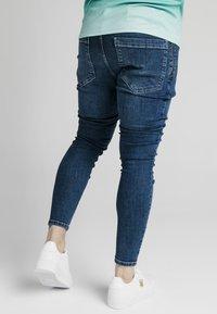 SIKSILK - DISTRESSED FLIGHT - Jeans Skinny Fit - light blue - 4