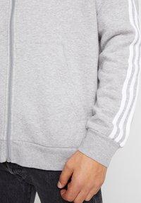 adidas Originals - STRIPES UNISEX - Zip-up hoodie - medium grey heather - 5