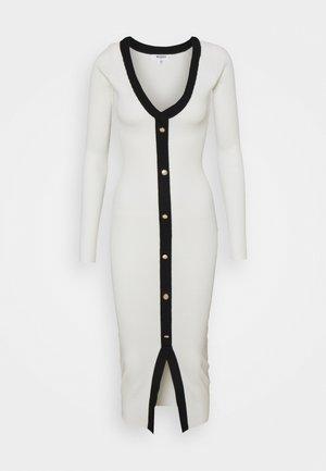 BUTTON THROUGH CARDI DRESS - Robe pull - white