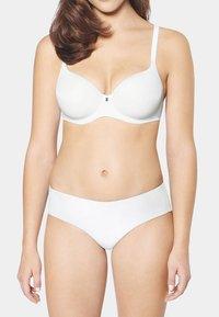 Triumph - Underwired bra - white - 1