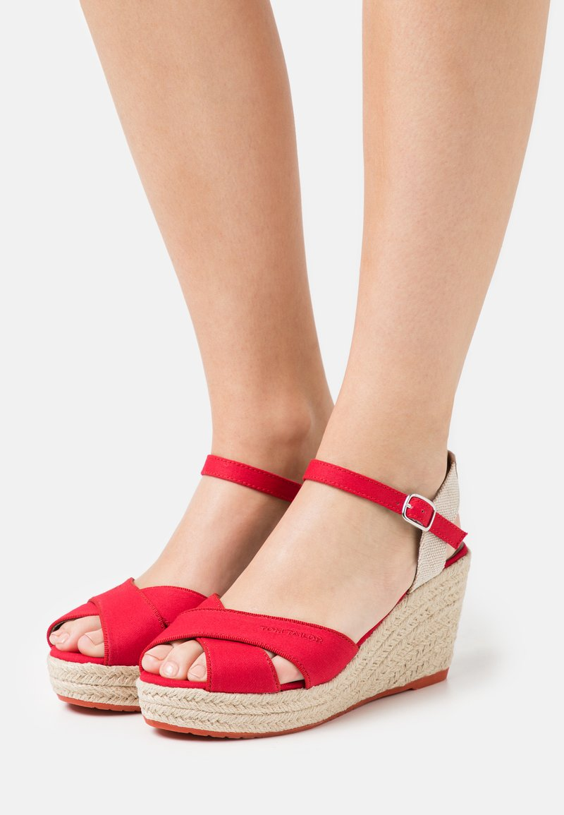 TOM TAILOR - Sandalen met plateauzool - red