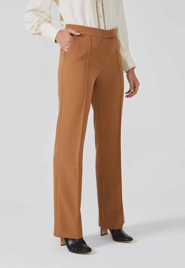 CHANTALLE TWILL VIS 345 - Broek - noisette