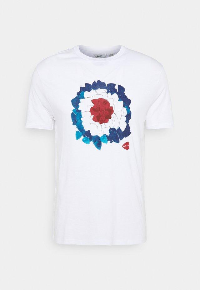 PLECTRUM TARGET TEE - T-shirt con stampa - white