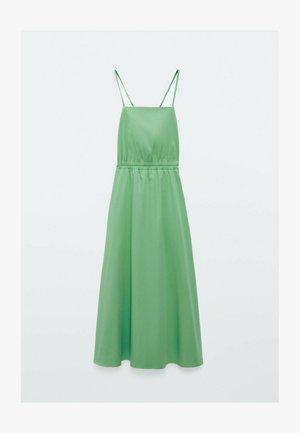 MIT TRÄGERN - Korte jurk - green