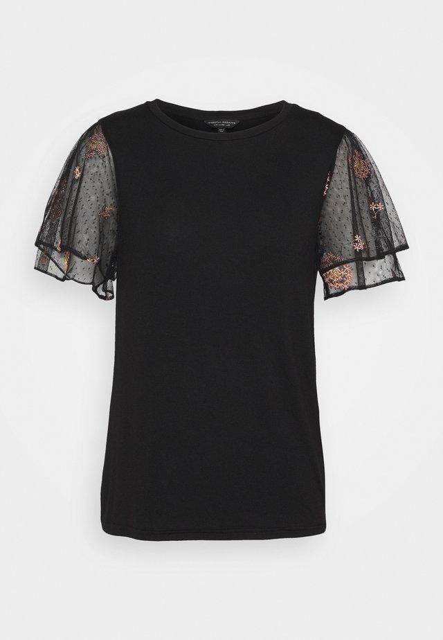 DOBY - T-shirt med print - black