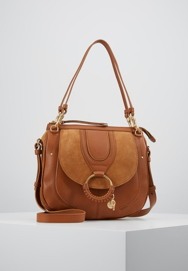 HANA SMALL - Handbag - caramello
