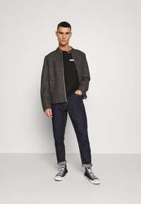 Calvin Klein - CHEST BOX LOGO - Print T-shirt - black - 1