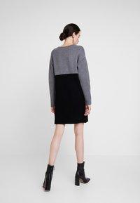 Morgan - Strikket kjole - noir/gris - 2