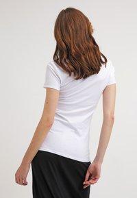Zalando Essentials - 2 PACK - T-shirt basic - white - 3