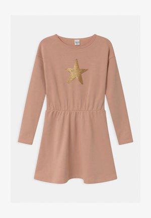 STAR - Denní šaty - toscana