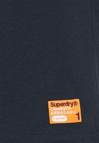 Superdry - LAUNDRY SLIM TEE 2 PACK - Jednoduché triko - laundry navy/laundry black feeder - 6