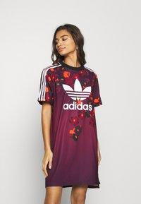 adidas Originals - GRAPHICS SPORTS INSPIRED REGULAR DRESS - Jerseykjoler - multicolor - 0