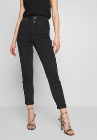 Topshop - BUT MOM - Džíny Relaxed Fit - washed black - 0