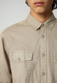Napapijri - Shirt - silver sage - 3