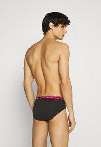 Calvin Klein Underwear - DAYS OF THE WEEK HIP BRIEF 7 PACK - Braguitas - black - 1