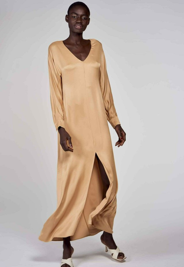 Maxi dress - camel