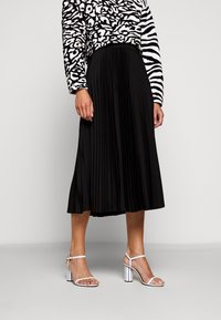 Proenza Schouler White Label - PRINTED PLEATED LONG SKIRT - A-line skirt - black - 0
