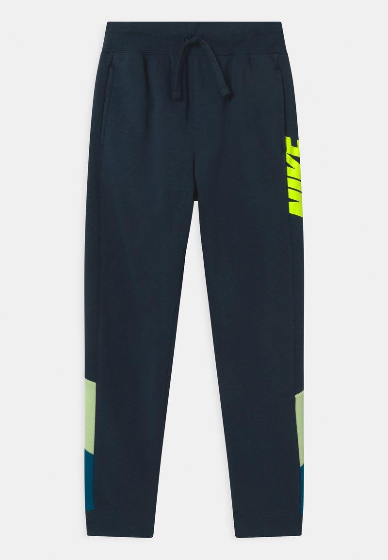 Nike Sportswear - CORE AMPLIFY  - Trainingsbroek - deep ocean/light liquid lime