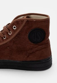 US Rubber Company - MILITARY HIGH TOP - High-top trainers - cord brown - 5
