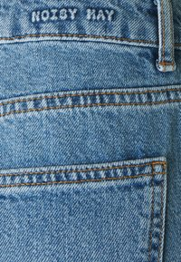Noisy May Tall - NMISABEL MOM - Jeans straight leg - light blue denim - 2