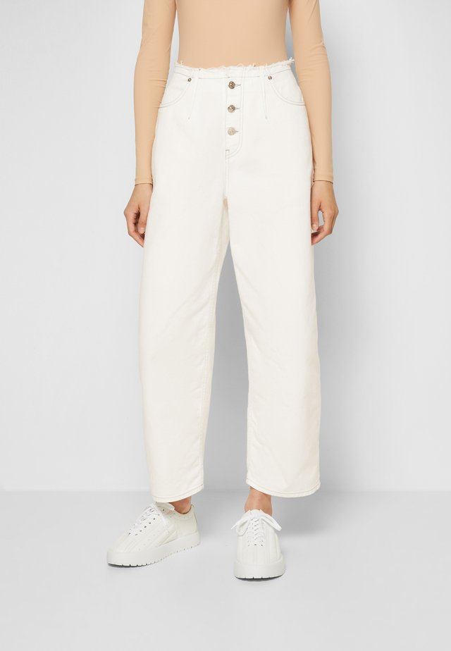 PANTS 5 POCKETS - Jeans relaxed fit - off-white