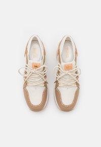 MICHAEL Michael Kors - LIV TRAINER - Sneakers laag - camel/multicolor - 4