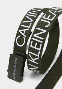 Calvin Klein Jeans - LOGO BELT UNISEX - Pásek - green - 3