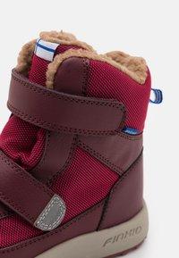 Finkid - LAPPI UNISEX - Zimní obuv - persian red/cabernet - 5