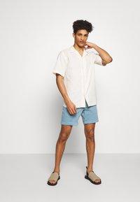 Les Deux - SIMON - Shirt - off white - 1