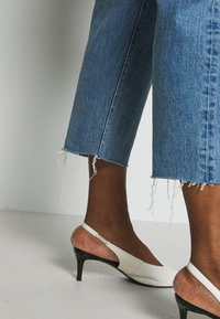 Levi's® Plus - 501® CROP - Straight leg -farkut - blue denim - 3