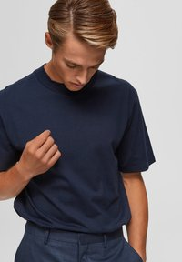 Selected Homme - T-shirts basic - sky captain - 4