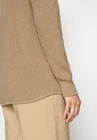GAP - CABLE  - Neule - classic camel - 5