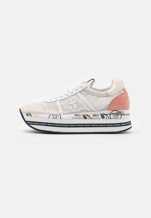 BETH - Sneaker low - gold