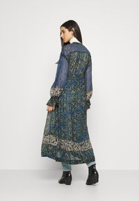 Free People - SAMIRA MAXI - Skjortekjole - midnight - 2