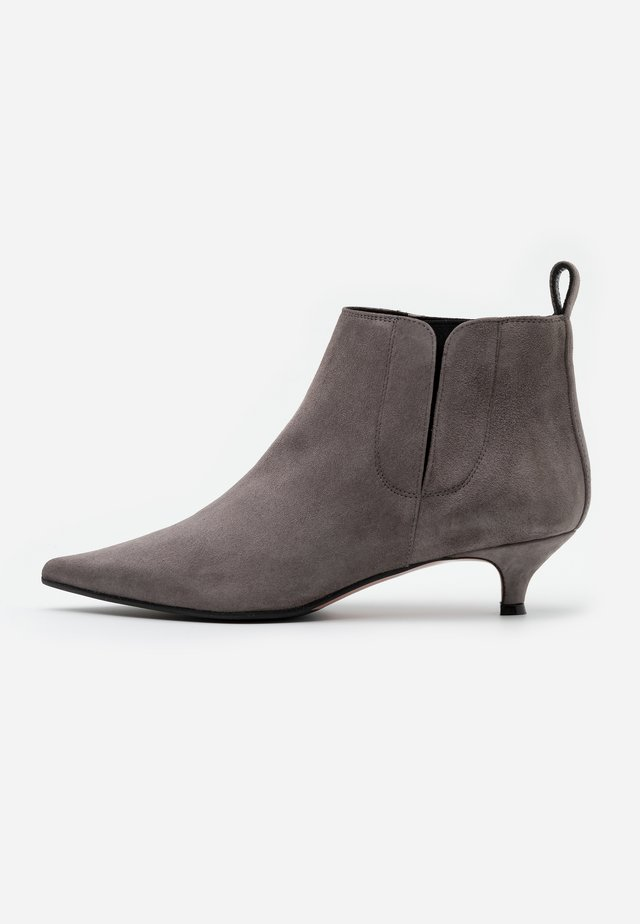 SAMMY - Ankle boots - mud
