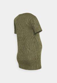 Supermom - TEE ZEBRA - Print T-shirt - ivy green - 1