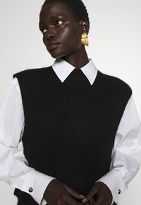 Bruuns Bazaar - PARISA NEA - Jumper - black - 5