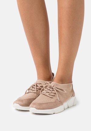 COMFORT - Sneakers laag - beige