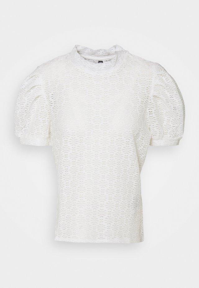 PCGLORIA - T-shirt print - cloud dancer