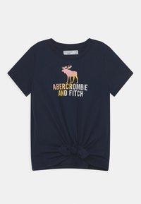 Abercrombie & Fitch - LOGO TIE FRONT - Triko spotiskem - navy - 0