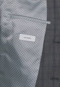 Isaac Dewhirst - CHECK SUIT - Oblek - blue - 8